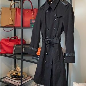 Burberry Trench sz 4 black Hermes leather accents